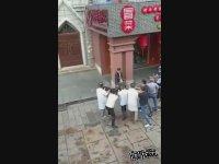 Hırsıza Karşı Esnaf Dayanışmasını Ele Güne Gösteren Adamlar