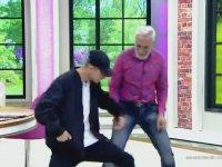 Tarık Mengüç ile Oğlunun Göz Kanatan Dans Performansı