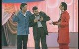 Azer Bülbül'ün Kravatını Süheyl Uygur'a Hediye Etmesi