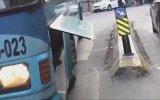 Trafikte Başına Gelmeyen Olay Kalmayan Motorcu