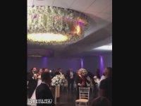 Düğünde Çıkan Yangını Söndürmek Yerine Harlamak