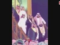 Prens Selman'ın Kabe'nin Üstüne Çıkması