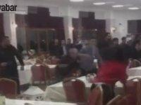 Sandalyelerin Havada Uçuştuğu Düğün Kavgası