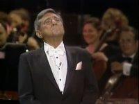 Robert Merrill - Autumn Leaves (Operet Performansı)
