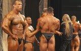 Bayılan Vücut Geliştirme Sporcusunu Tokatlayarak Ayıltmak