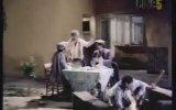 El Kapıları  Tarık Akan, Cavidan Akyol 1988  82 dk