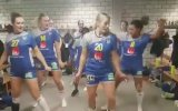 Galibiyeti Soyunma Odasında Dans Ederek Kutlayan Kadın Hentbolcular