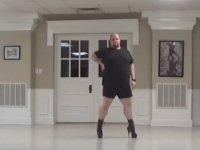 Topuklu Ayakkabıyla Dans Yeteneğini Konuşturmak