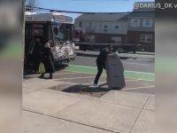 Çaldığı ATM ile Otobüse Binmeye Çalışan Hırsız