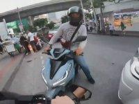 Kafa Kafaya Çarpışan Motosikletliler