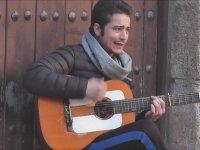 Sokak Sanatçısından Ciğer Yakan Flamenco Şarkı