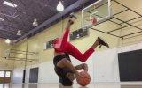 Kafa Üstü Dönerken Basket Atan Eleman