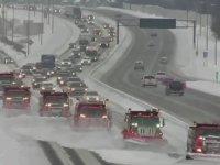 Kar Küreme İşini Layıkıyla Yapan Belediye Araçları