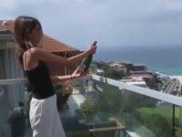 Şampanyayı Şişesiyle Birlikte Patlatan Kız