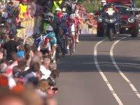 Son 400 Metrede Lider Grubu Sollayıp Başa Fırlayan Bisiklet Yarışçısı