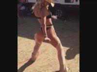 Twerk Dansının Hakkını Veren Rodeocu Hatun