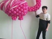 Balonu Sanata Dönüştüren Koniçiva