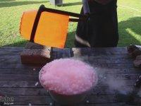 Buz Üzerine Lav Dökmek
