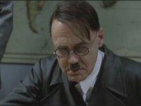 Hitler'in Generallerine Kızması - Der Untergang