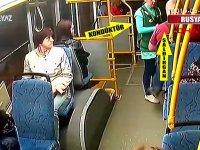 Kadın Kondüktörü Otobüsten Atan Adam