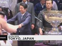 Japonya Başbakanı Abe'nin Sumo Kupası ile İmtihanı