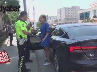 Sakarya'da Polis ile Tartışan Kadın