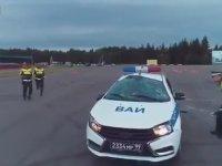 İleri Sürüş Teknikleri Eğitiminde Taklaya Gelen Polisler