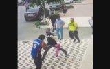 Kendisine Saldıran 4 Kişiden Kaçmayıp Çarpışan Cengaver