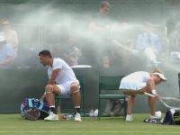 Fıskiyenin Gazabına Uğrayan Tenisçiler