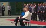 Titrek Merkel'e Sandalyeli Önlem