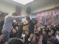 Ankaralı Gençlerin Bir Odaya Toplanıp Oyun Havasıyla Coşması