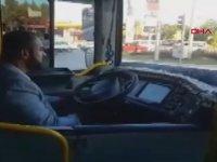 Şoförü Gecikince Halk Otobüsünü Kullanan Belediye Başkanı