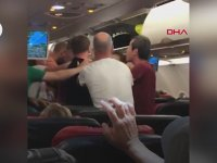 Rusya'ya Giden Uçakta Kavga Eden Yolcular
