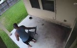 Sandalyenin Gazabına Uğrayan Adam