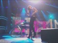 Shakira Dar Kot Giyerse