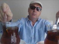 Çay Karıştırmayı İcat Eden Dayı