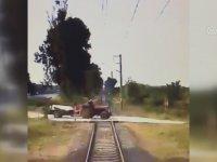 Trenin Traktöre Çarpma Anı