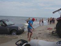 Traktörle Denizden Range Rover Çıkarmak