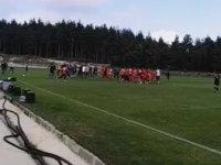 Hazırlık Maçı Öncesi Birbirine Giren Futbolcular
