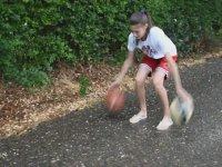 Basketbol Yeteneği ile Şaşırtan Katarina Knezeviç