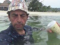 İdris Usta Jamaika Tatilinde Yüzüyor