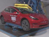 Tesla Model 3 Kaza Testi