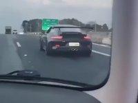 Porsche ile Postayı Koyan Çocuk