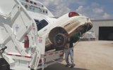 Araba yutan çöp kamyonu