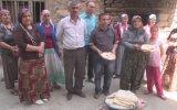 Hakkarili kadınlar, Yezidiler için ekmek pişirdi - HAKKARİ