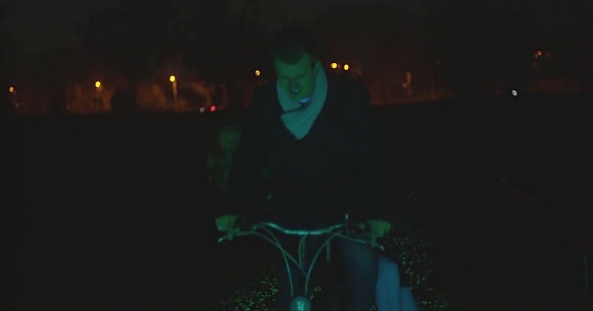 Van Gogh Bicycle Path by Daan Roosegaarde Glowing Van Gogh Bicycle Path