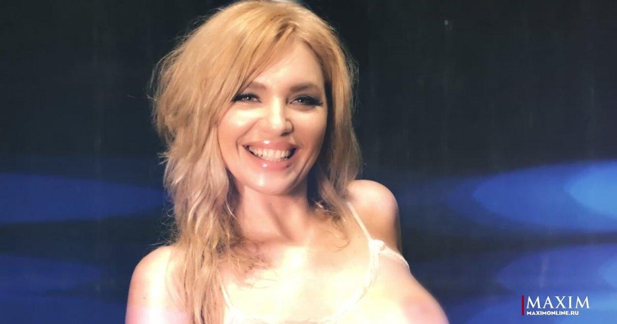 fotografii-krasivih-devushek-blondinok-golih