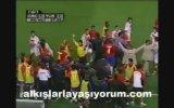Emre Belezoğlu'nun Kosta Rika'lı Futbolcularla Kavgası 2002 Dünya Kupası