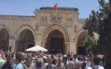 Mescidi Aksa'ya Türk Bayrağı Asılması