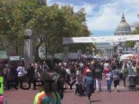 Eşcinsel Evliliğin Kabulune Deliler Gibi Sevinen San Francisco